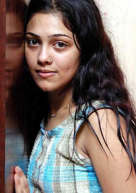 bharathi actress bharathi ammuvagiya naan fame actress