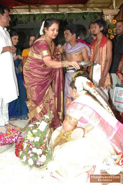 Actress sivaranjani wedding photos / Krrish 3 movie news in