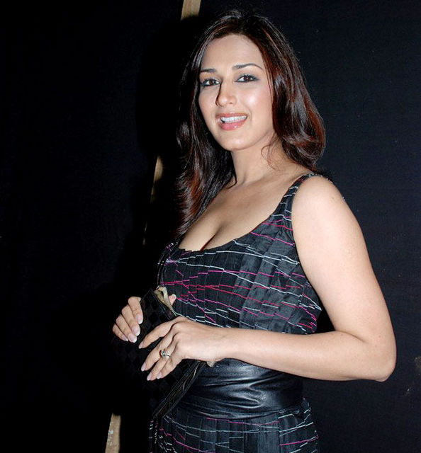 Sonali Bendre - Sonali Bendre - Bollywood Actress, judge ...